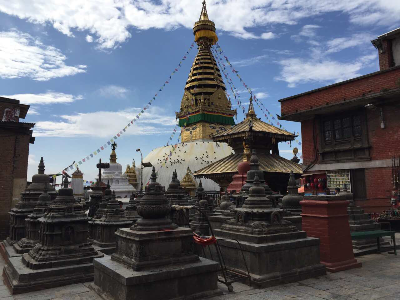 5 GREAT TIPS BEFORE TREKKING TO MOUNT EVEREST BASE CAMP IN NEPAL